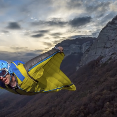 Wingsuit flash shoot